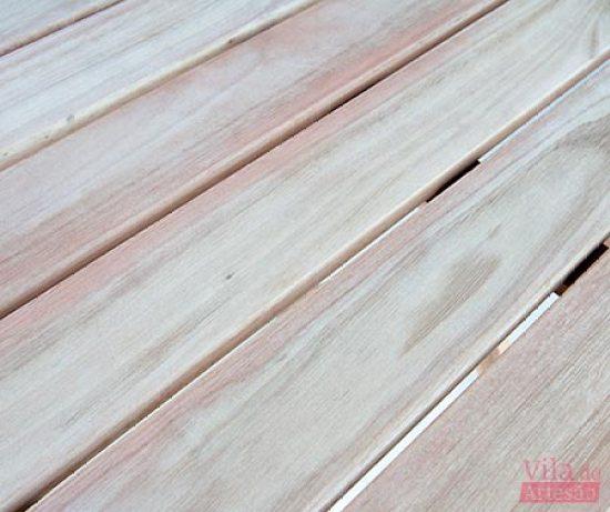 Detalhe da madeira lixada