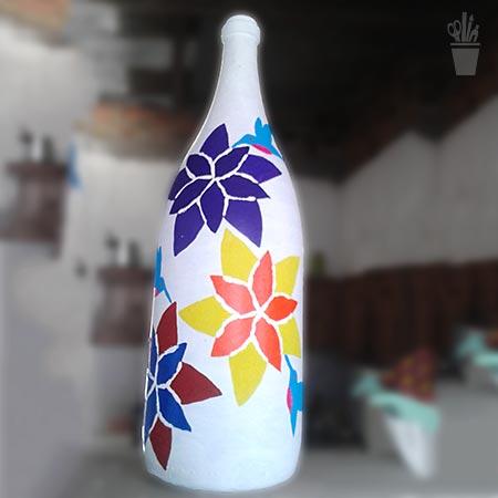 Pintura estilizada na garrafa