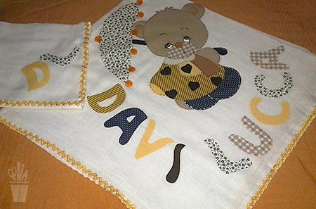 Fraldas e mantas em patch apliqué
