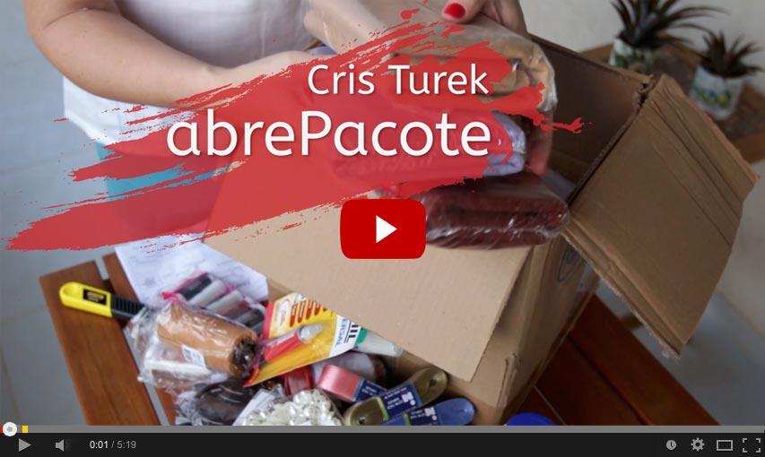 Cris Turek no abrePacote da compra virtual