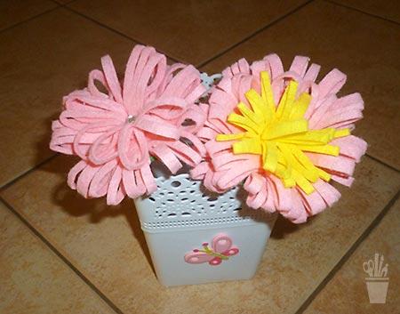 Ponteira de lápis com florzinhas