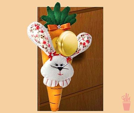 Enfeite de porta coelho com cenoura