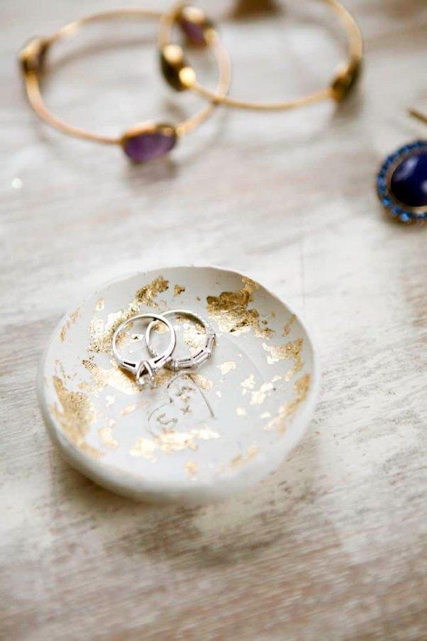 Porta-jóias com folha de ouro, super elegante