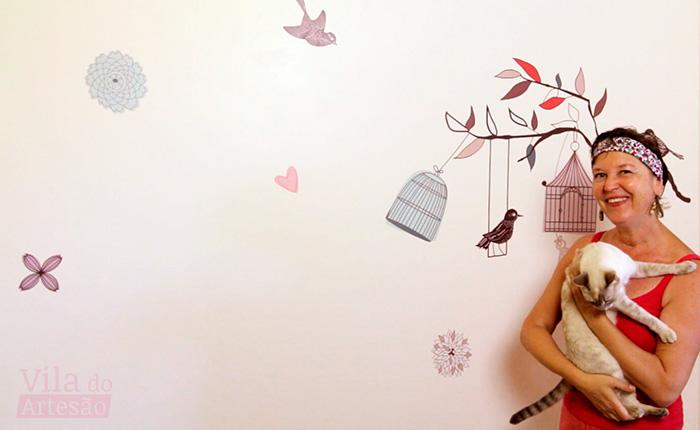 Como aplicar adesivo decorativo de parede