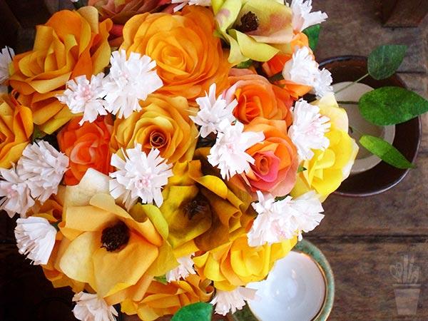 Arranjo de flores de filtro de café