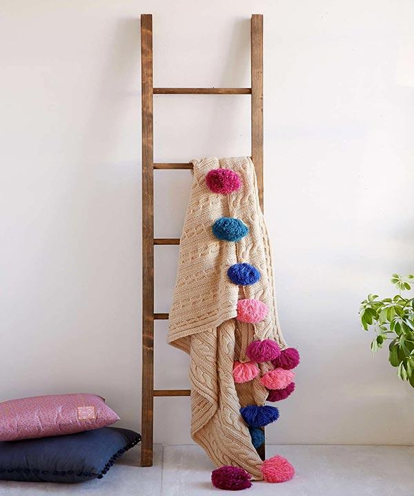 Suporte escada para mantas de sofá