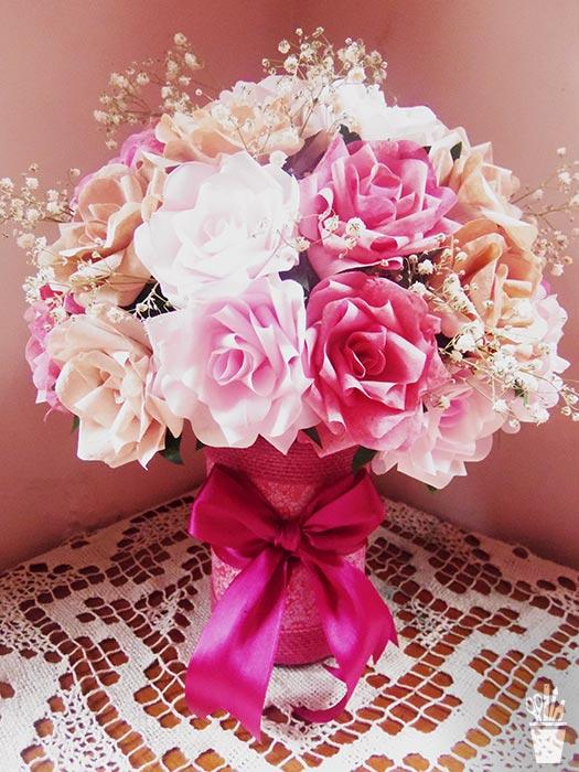 Arranjo de flores com supraciclagem