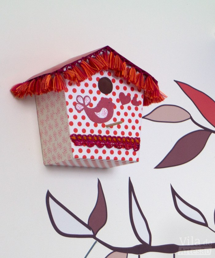 Casinha de passarinho em papel de scrapbooking