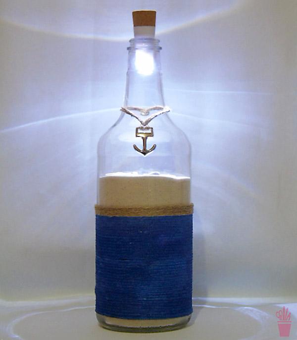 Reciclagem de garrafa em abajur com tema do mar