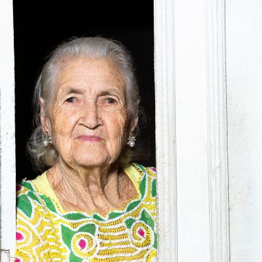 Dona Odete, mestra da renda renascença