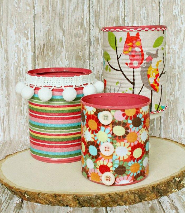 Estampas coloridas e detalhes diferentes para latas em outras ocasiões
