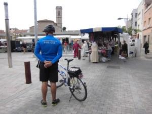 Agent policia local en bicicleta Vilanova del Camí