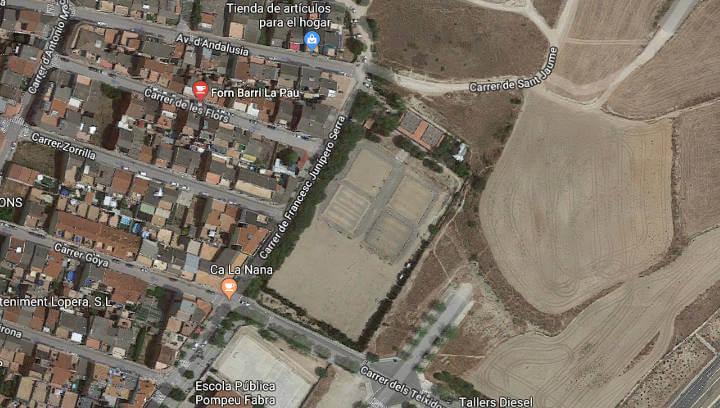 Pista esportiva i de lleure Barri la Pau Foto Google Maps