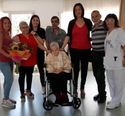 L'Ajuntament vilanoví felicita Francisca Martínez el dia del seu 102 aniversari