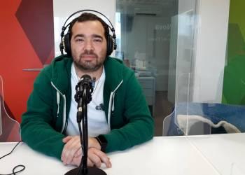 Daniel Borrega als estudis de Ràdio Nova