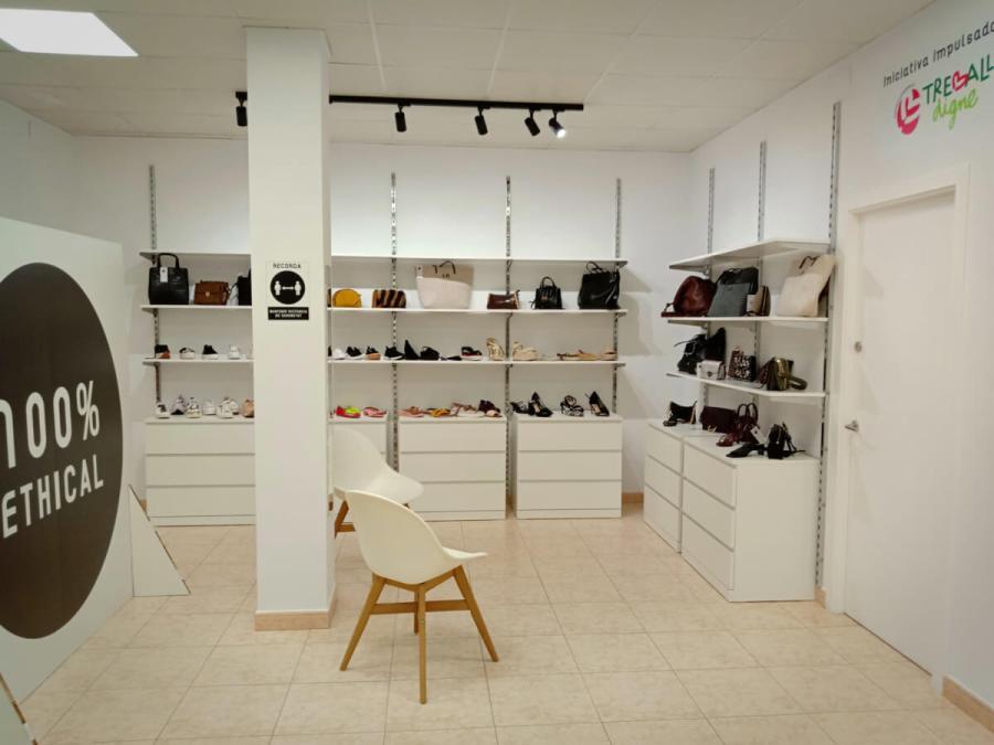 botiga Caritas 3