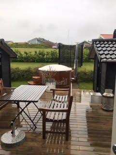 Vildmarksbad I Glasfiber Termotræ Med Integreret Ovn Wellness Royal, Paille,Karrebæksminde, Danmark (1)