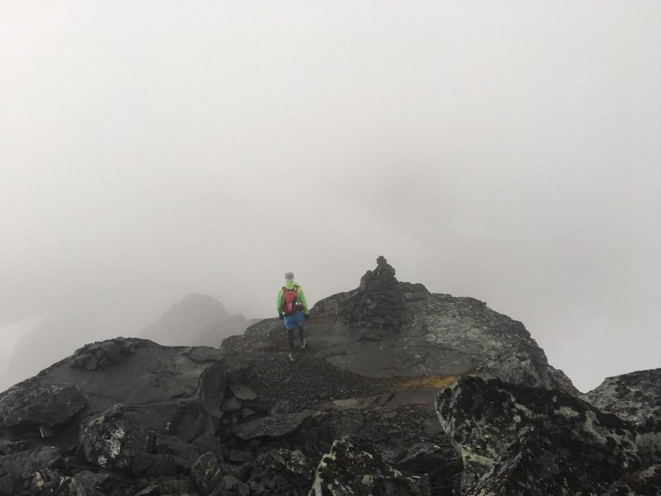 Kammen mellan Sarektjåkkas Stortopp och nordtopp