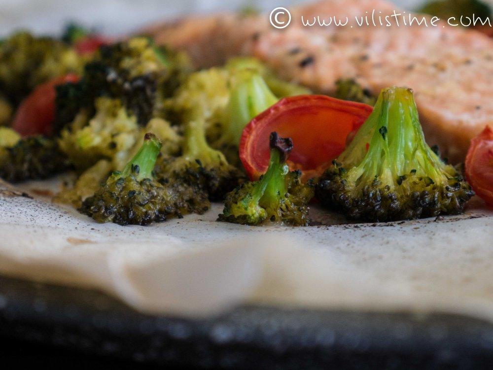 Сьомга с броколи на фурна