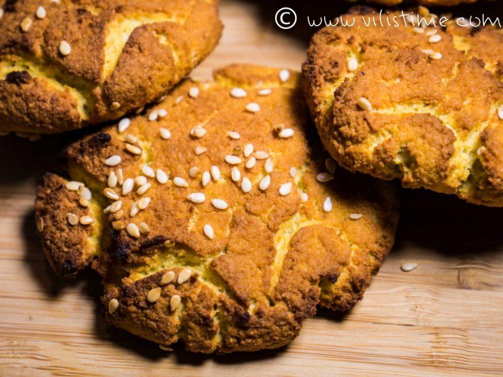 Чеснови земелки от кокосово и тиквено брашно