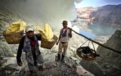 Indonesian Sulphur Miners