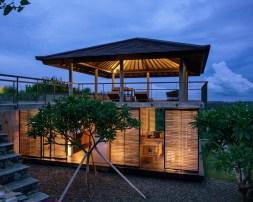 Villa Arun Bali - Living Room and Gazebo at night
