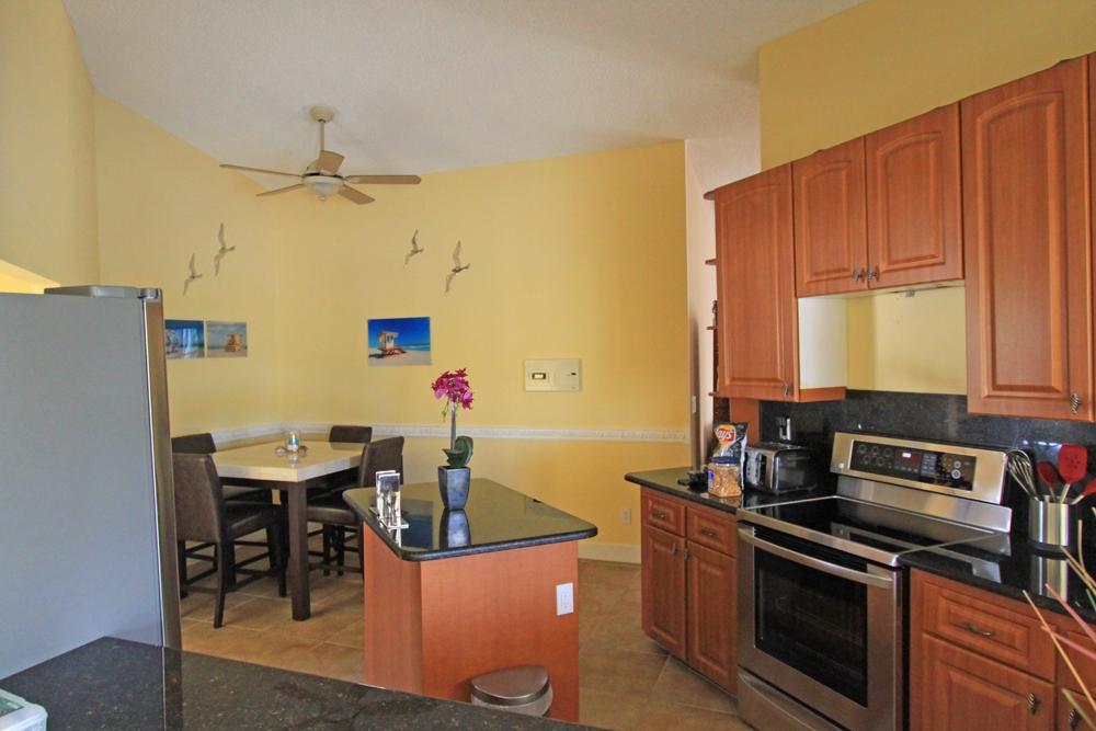 Küche und Frühstücksbereich