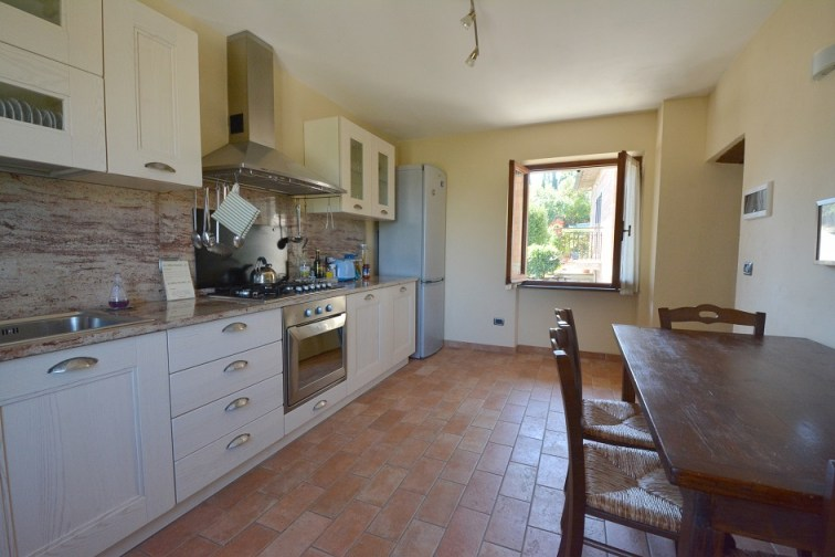 Lovely kitchen in Apartment Ulivo