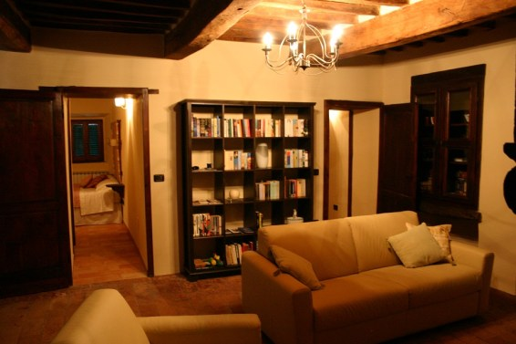 Library in Apartment Ulivo
