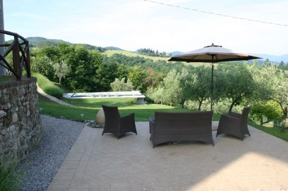 gardens with pool in Umbria