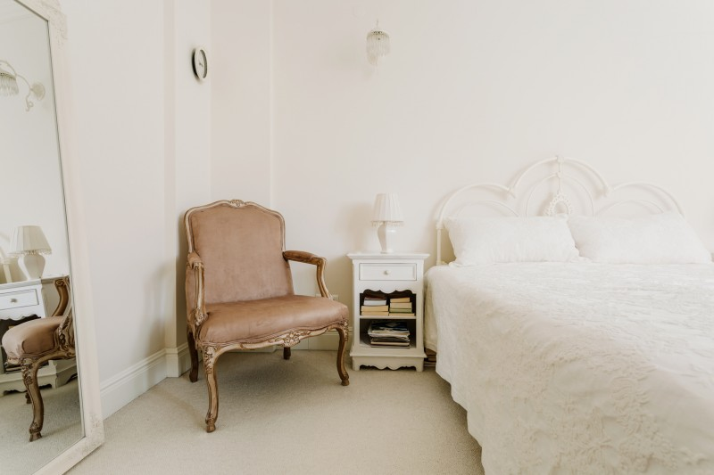 urządzamy sypialnię w stylu shabby chic