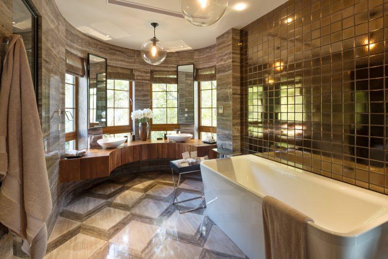 klasyczna łazienka w stylu art deco