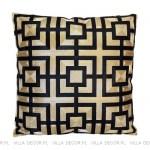 ekskluzywna czarno-złota poduszka wyszywana