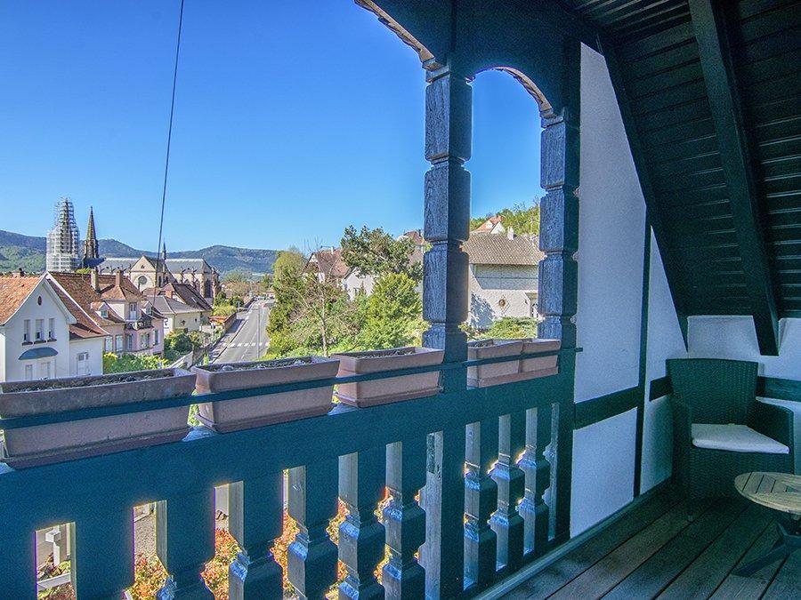 Panorama 2 balcony and view