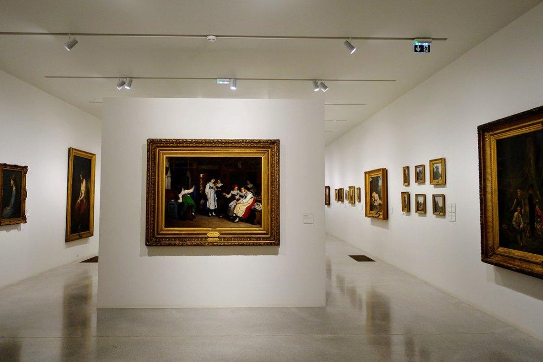 Dans la galerie souterraine du musée Unterlinden