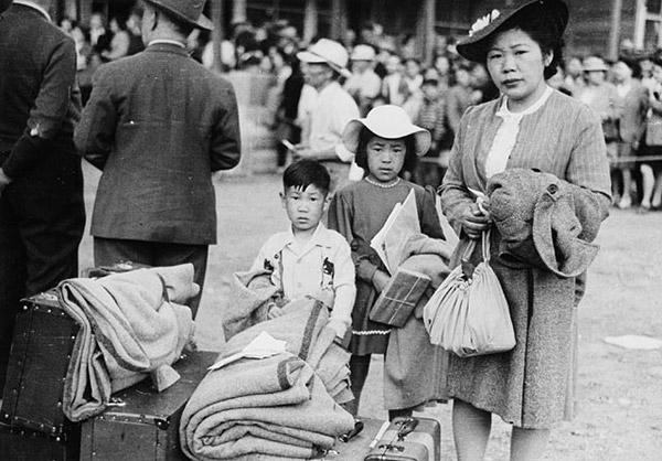 Japanese-Internment-Camps_16