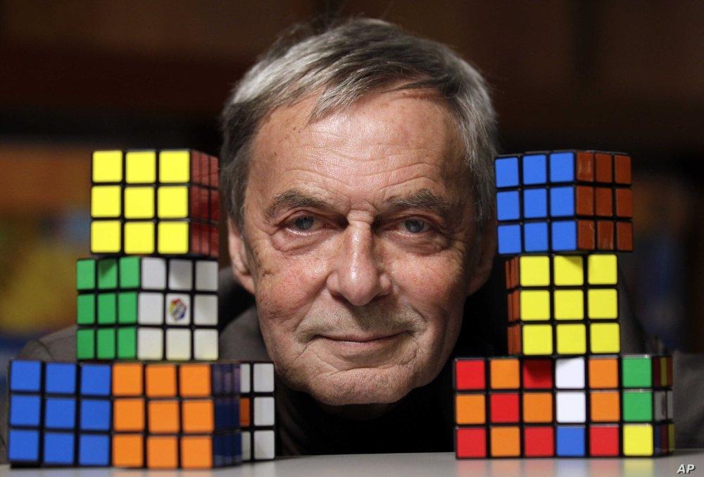 全球售出了3億5,000萬個的「扭計骰」,它是世上流行甚廣的魔術方塊。大家可知發明者是誰?他最感興趣的是甚麼?