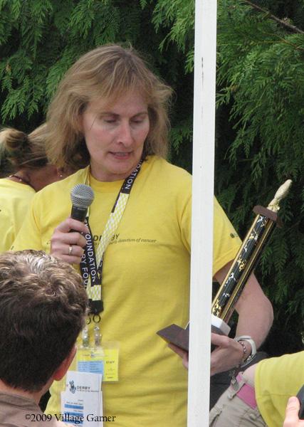 Pat McCowan Presenting Volunteer Award