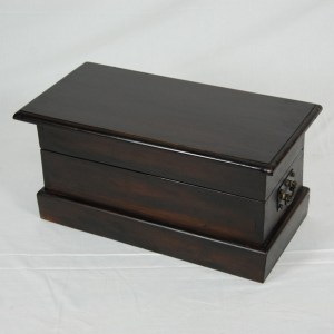 Java Small Mahogany Trunk – Dark
