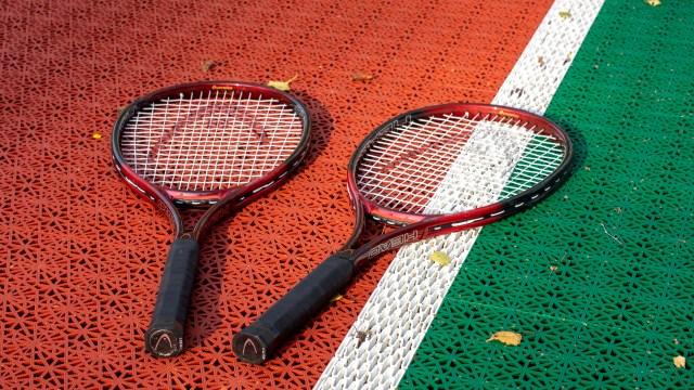 Tenniskenttä. Tennis court.