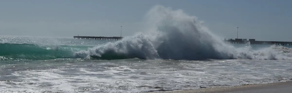 Maio waves and pier Cape Verde