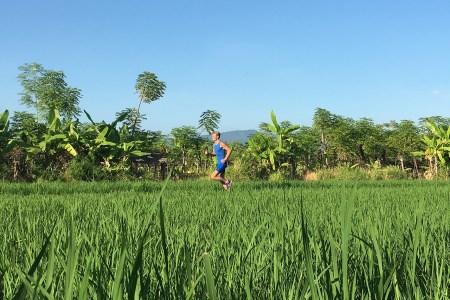 Hardlopen achter Villa Senang