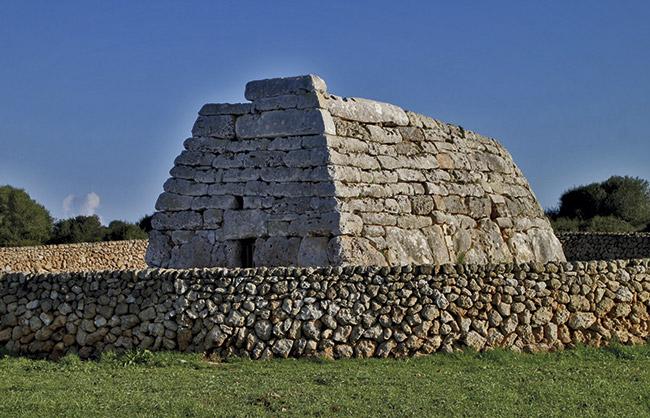 Naveta des Tudons - Villas Etnia