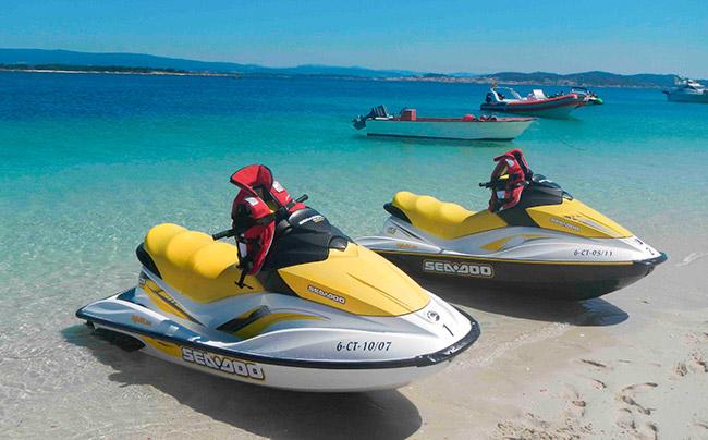 Jet ski Menorca - Villas Etnia