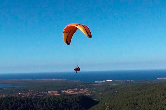 Paraglide Menorca - Villas Etnia