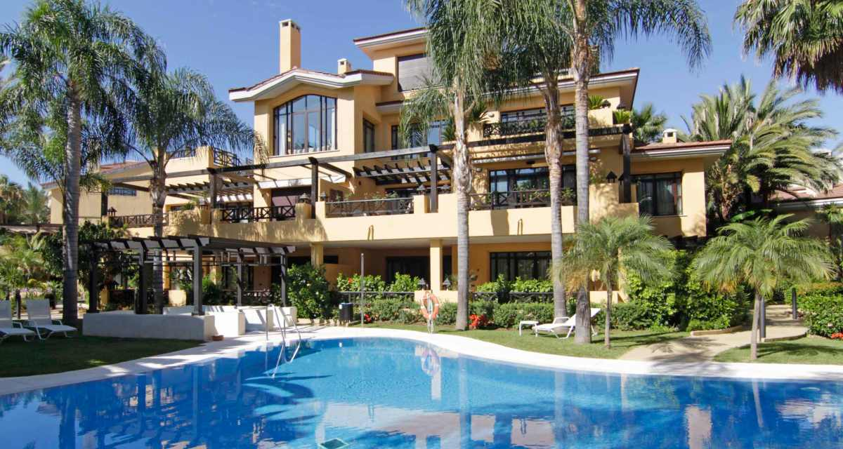 Bahia de Banus Villas for Sale