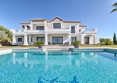 Los Flamingos Villa for Sale pool and garden