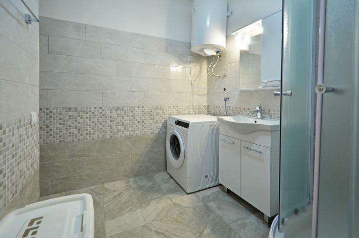 villa-tomislav-apartment1-bathroom-01