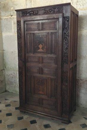 Armoire à l'église de Wailly