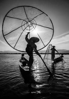 Laurent CHAPUT - Pêcheurs-Acrobates, lac Inle